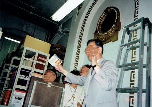 札幌建築鑑賞会見学会 1993年7月 資料館-旧刑事法廷室