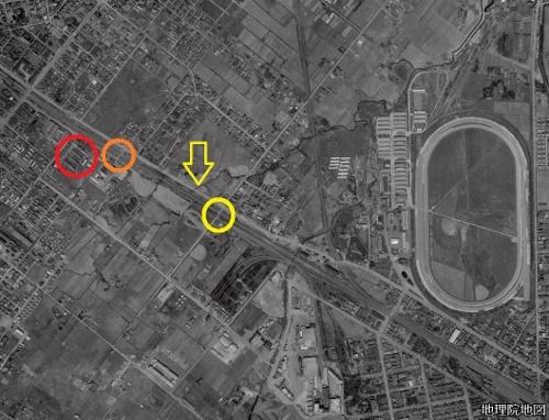 空中写真1961年 泰和踏切と電修場踏切の間
