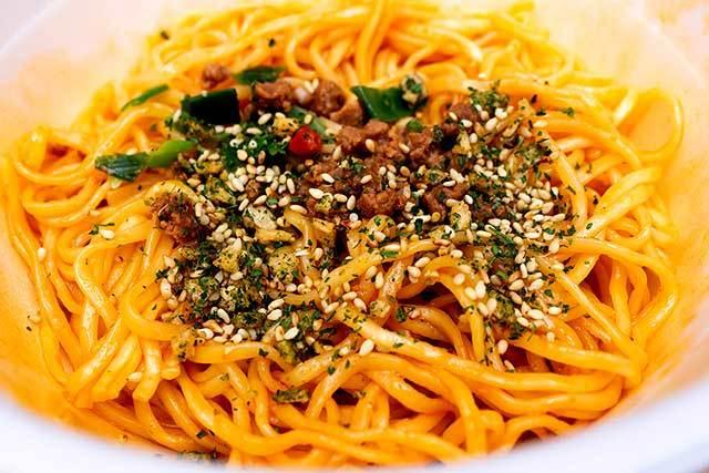 セブンプレミアム 「鳴龍 汁なし担担麺」