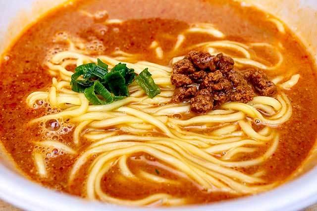 日清食品 「日清×食べログ 百名店 MENSHO 和牛担々麺」