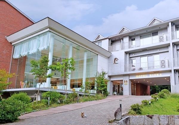 20200920②ホテル外観2blos