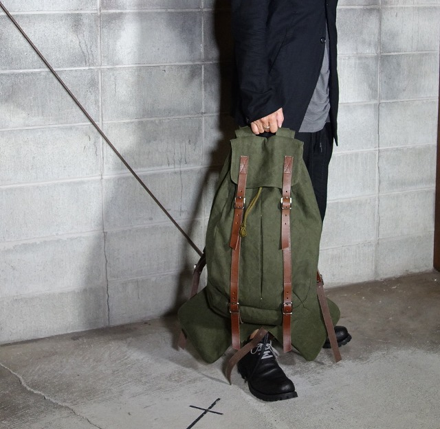 20AW-BACKpackKHAKI4.jpg