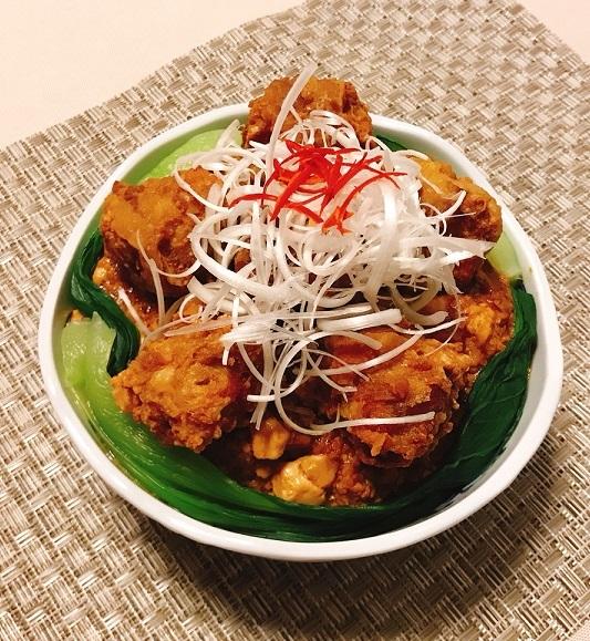 麻婆豆腐だれの豚ボール丼18