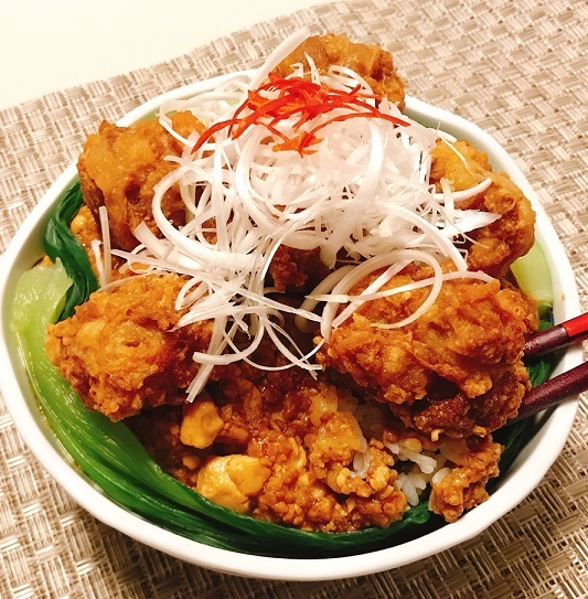 麻婆豆腐だれの豚ボール丼19