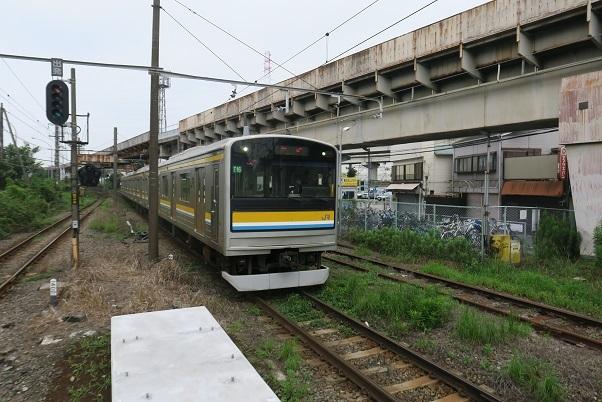 鶴見線205系 浜川崎駅付近