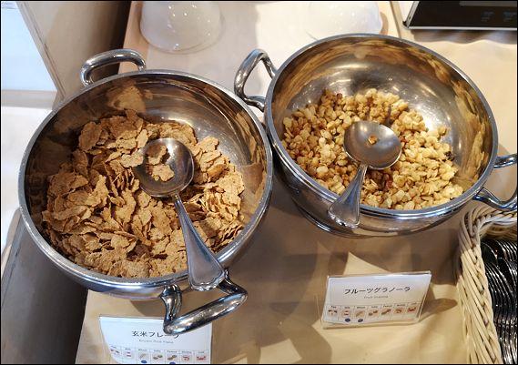 EM朝食2