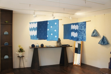 200914_牧禎舎の藍染め展01