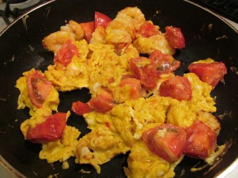 海老とトマトの卵炒め4