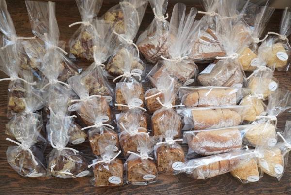 lomaのパン in DIGMOG COFFEE