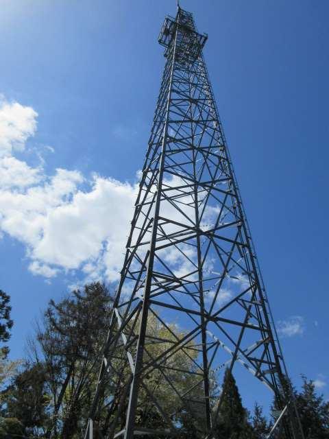 IMG0055JPG山頂下の電波塔