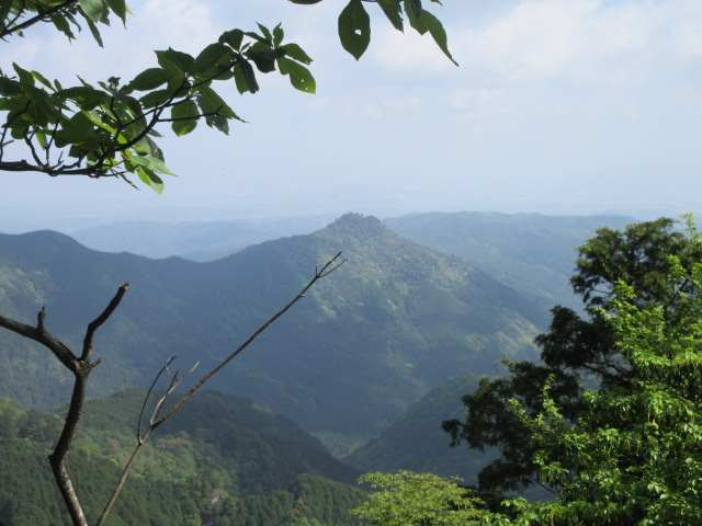 IMG0025JPG求菩提山を望む