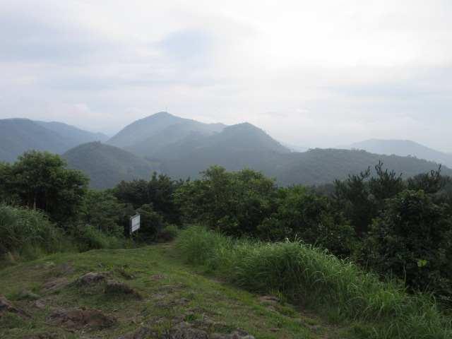IMG0044JPG西鳳翩山を見る