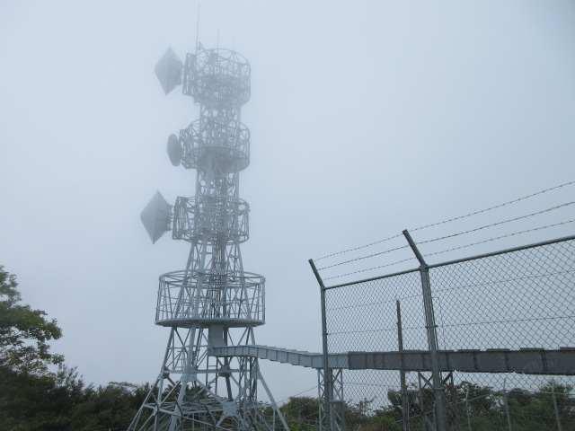 IMG0067JPG小雨の西鳳翩山