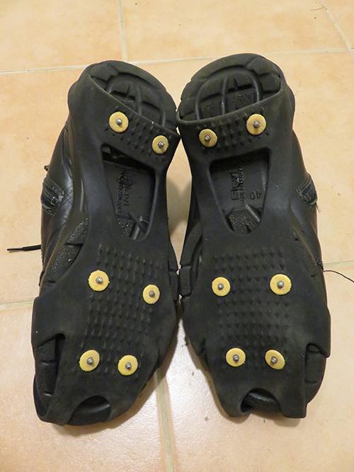 フィンランド 冬 靴に取り付けるすべり止め