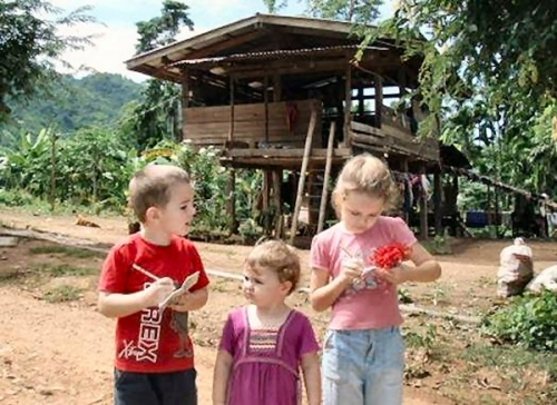 04c 600 attached pic No_1 counting houses by 3 kids