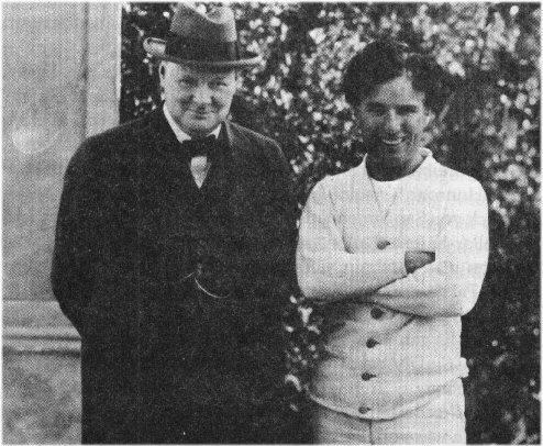 04b 500 Winston Churchill meets Chaplin