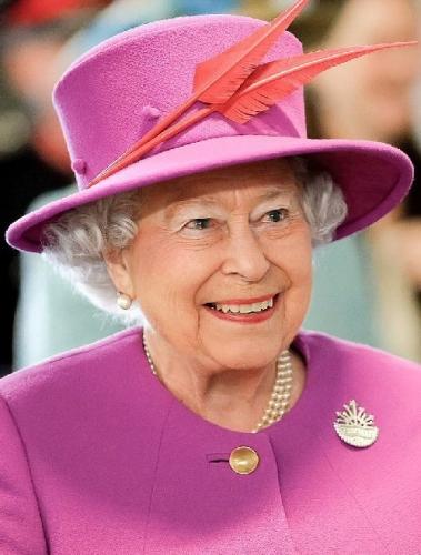 02a 500 Queen_Elizabeth_II_in_March_2015