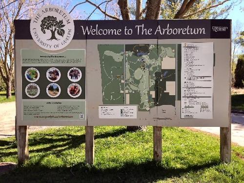 04ba 600 Sign Arboretum