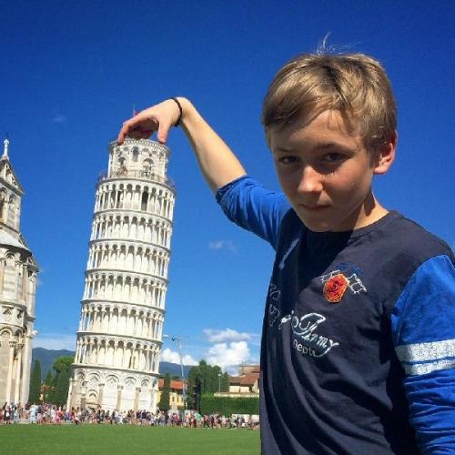 04a 600 Pisa Italy