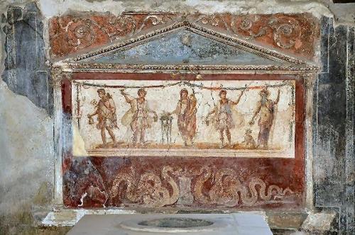 04b 600 Thermopolium_of_Lucius_Vetutuius_Placidus,_Pompeii