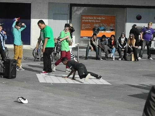09ba 600 street dancing