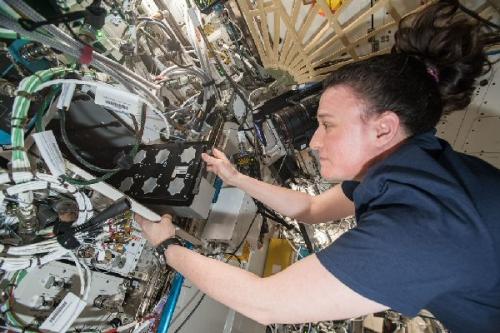 03a 600 NASA astronaut Serena
