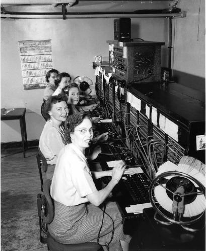 09b 600 telephone operator