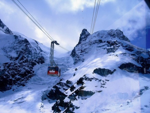 04c 600 Zermatt cable car