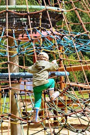 04ba 300 climbing Jungle Gym rope