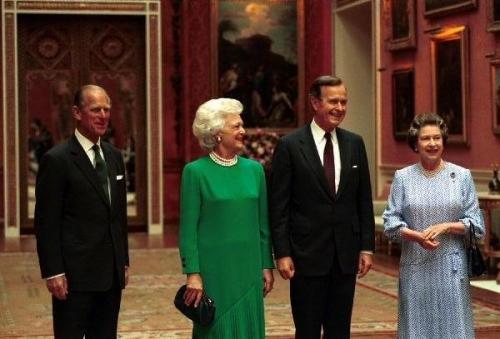 09d 600 with Queen Elizabeth
