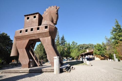 03bb 600 troy horse