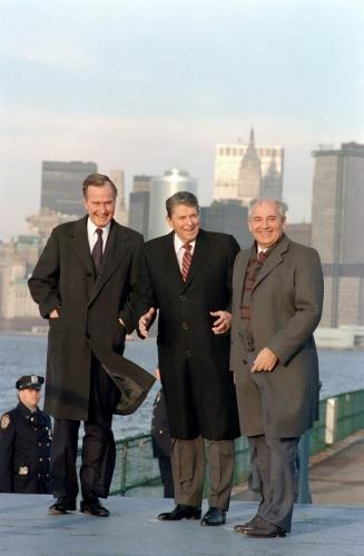 09a 600 ush with Regan and Gorbachev