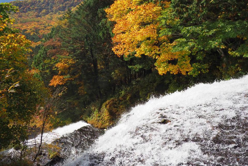 69360 湯滝 960×600