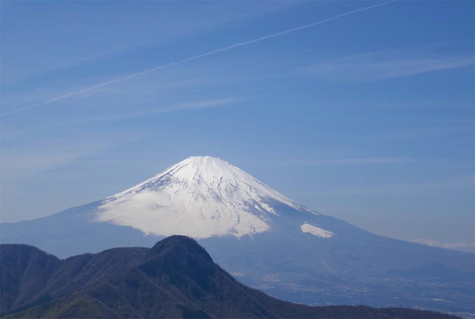 40031 富士山と春の空気感 960×645