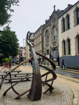 Dublinwalk0720vikingshipstatue