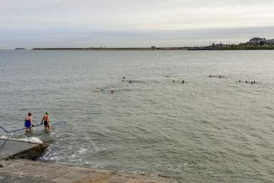seapointfirstdecemberswim12204