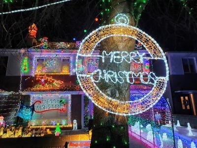 Christmashouselucan1220