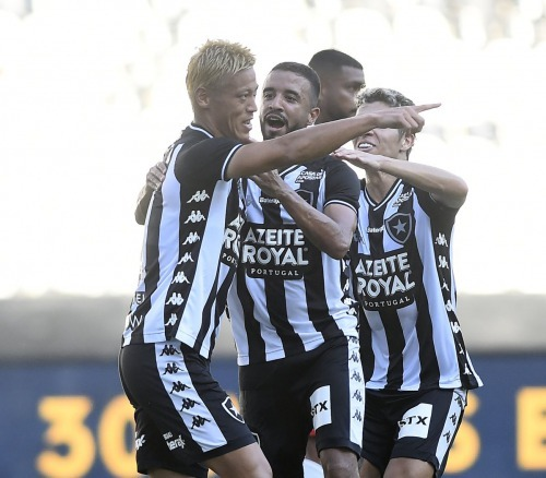 Honda scores on debut, but Botafogo draw with Bangu