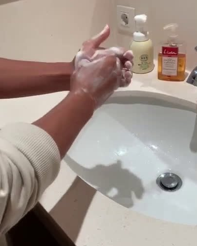 A tutorial from Kubo on how to wash your hands