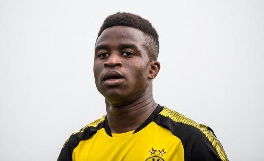 Dortmunds 15-year-old prodigy Youssoufa Moukoko has broken the Under-19 Bundesliga goalscoring record