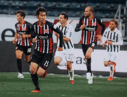 Eintracht Frankfurt [2]-3 Freiburg - Daichi Kamada goal