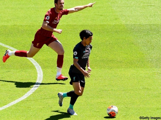 Highlights on Liverpools training match Minamino pass on Salah