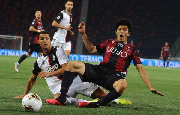 Tomiyasu vs Ronaldo Bologna vs Juventus