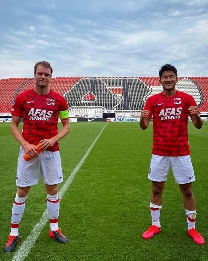 AZ [1] - 1 Lille OSC Yukinari Sugawara (Great goal)
