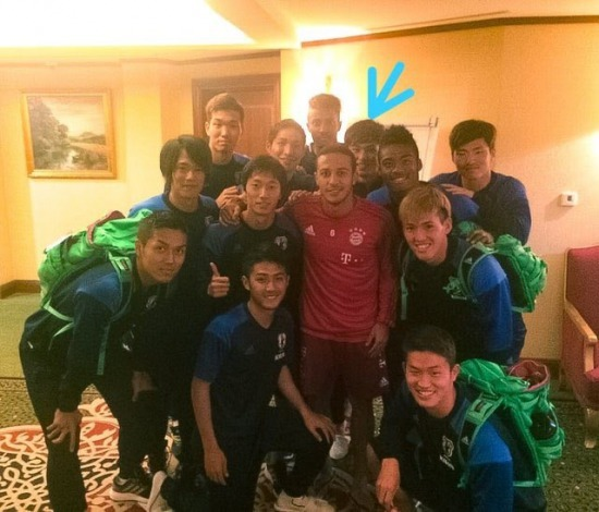 In 2016 Takumi Minamino took a picture with Thiago