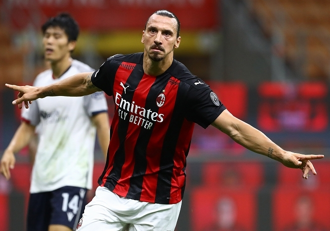 tomiyasu vs Zlatan Ibrahimovic 0_2