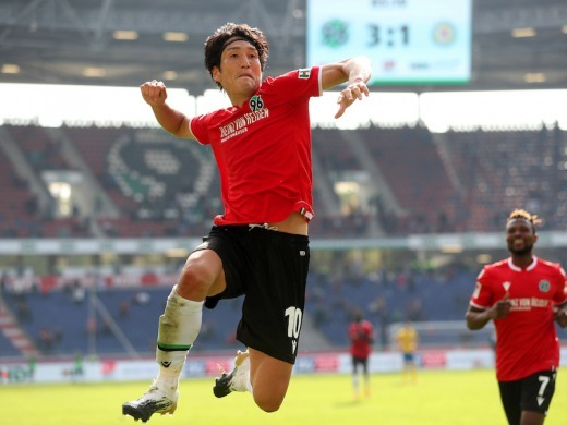 Haraguchi goal assist at Nierdersachsen-Derby 4_1