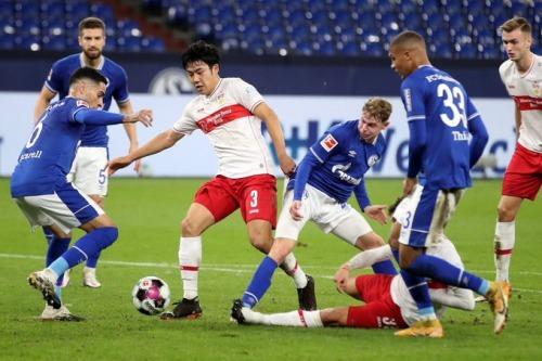 Endo Wataru vs Schalke 1_1