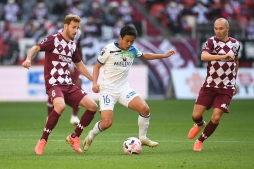 vissel_kobe_0_2_shonan_bellmare_mitsuki_saito goal