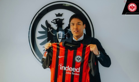 Frankfurt's joint longest-serving player, the 37-year-old Hasebe in his seventh season with the Eagles